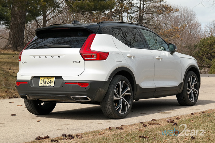 2019 volvo xc40 t5 awd r design review web2carz. Black Bedroom Furniture Sets. Home Design Ideas