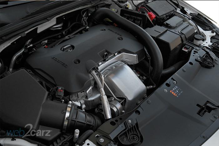 2018 Buick Regal TourX Essence AWD Review | Web2Carz